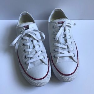 Low top white converse!